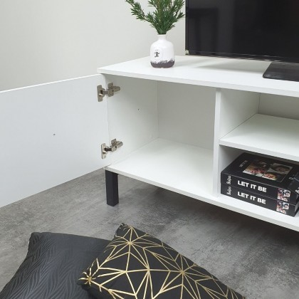 Como Home 5ft TV Cabinet (A692) TV Rack | TV Console suitable for Homestay | Airbnb (Included Installation)